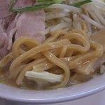 なにわ男麺 大五郎 - 味噌ら~めんの極太麺アップ(2010.1月)