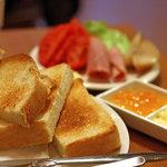 杉本珈琲店 - 白神酵母3種のパンのトースト