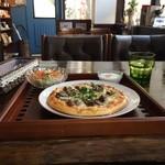 ノラリ&クラリ - スモークかきのピザセット800円です(2014.9.14)