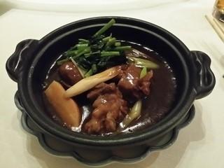 中国料理 皇苑 - 牛肉とブラウンマッシュルーム しんくう采