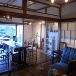 30683750 - このゆったり感と床の暖かみのある手作り感が値打ちです。