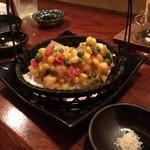 日本酒とお刺身 秋丸 - トウモロコシと茶豆、エビのかき揚げ