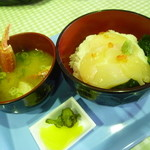 網走感動朝市食堂 - 「流氷丼 (1000円)」、鉄砲汁が付きます