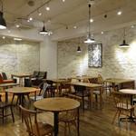 ジンナンカフェ -  B1の空間