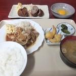 松林堂 - 焼肉定食ライス小670円+メンチカツ400円+生玉子50円