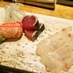 すし丸 - 蟹爪、メジマグロ、平目