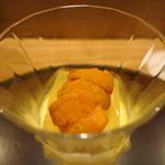 日本料理 太月 - 26年8月 トマトゼリー、玉蜀黍ムース、生雲丹(あちき)