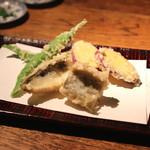 蕎麦懐石 無庵 - 天ぷら盛り合わせ (カマス、伏見唐辛子、紅あずま) (2014/09)
