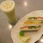 ツルザワ - フルーツサンドとミックスジュース