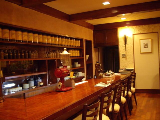 コヒア アラビカ - optio A30で撮影。店内の雰囲気。