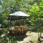 30702580 - ガーデンテラス席のひとつ