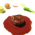 30704099 - ヴィアンド 牛ヒレ肉のポアレ 赤ワインソース グリンピースのポレンタ