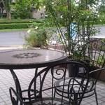 30704987 - 屋外の喫茶コーナー