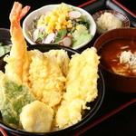 秋葉原漁港 快海 - 季節の海鮮を使用した「季節の海天丼セット」