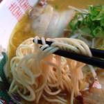 中華そば 遊山 - 遊山の麺をアップ♪