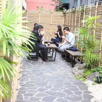 カフェ キツネ-テラス席は茶屋の雰囲気で