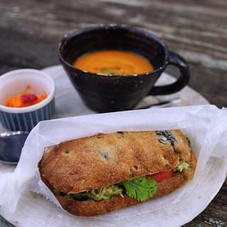 プラウマンズ ランチ ベーカリー - 料理写真:朝のサンドセット