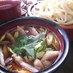 手ぶちうどん 吉平 - 冬季限定 鴨汁うどん(並盛) 1100円