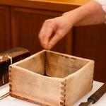 天亭 - 檜の枡の削れ