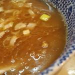陸 - 豚の出汁がしっかり出てて、塩味キリッと。              コクがあって濃厚~。
