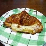 3073520 - ハムとチーズのクロワッサン