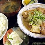 きんちゃん - もつ煮込み定食650円