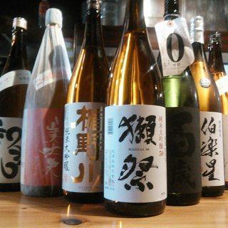 日本酒は随時30種類以上ご用意しております!