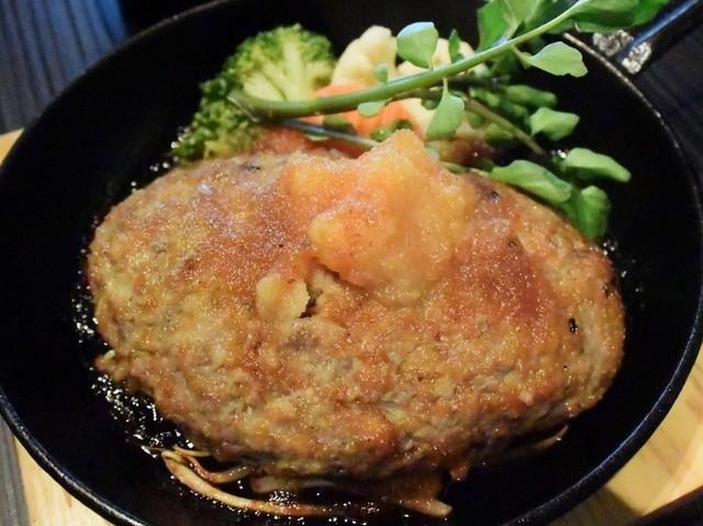 肉処 倉 あまがさきキューズモール店 - 手ごねハンバーグ オニオンソース