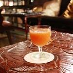 バー デイサイト - 大正時代のグラスで頂くカクテル