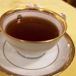 メインダイニングルーム - 紅茶もちゃんと香り・味がありますね。