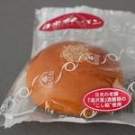 30755876 - 日光あんパン 漉し餡です。金谷ホテルとのコラボ商品
