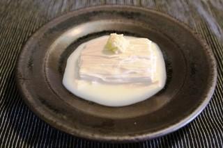 和み茶屋 - 引き上げ湯葉  生姜でいただきます とろとろで最高♡