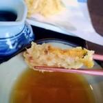 手打そば甚作 - 黄金色のかぼちゃは味が濃厚でホクホクです。