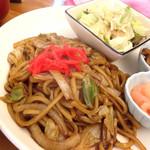 えびす - 料理写真:えびすやきそば(ごはん+味噌汁セット)