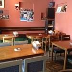 cafe&Live 8JO - 居心地の良い空間となってます!