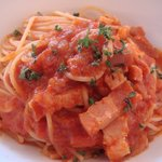モレット - 本日のランチ 玉ねぎとベーコンのトマトスパゲティ