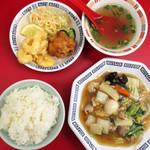中華料理 昇龍 - 料理写真:日替わりランチ八宝菜¥500