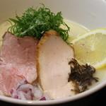 麺司令 - クリーミー鶏白湯 塩