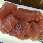 おでん綾 - マグロの刺身。新鮮です。