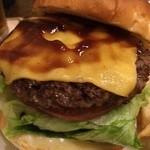 ハンバーガーモンスター - チーズバーガー950円 ハンバーガーは肉汁たっです♥︎