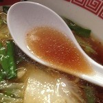 五味八珍 長居店 - 五味八珍ラーメン(650円)スープ