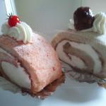 シフォン - 料理写真:右・小布施栗のシフォン  左・再びトマトのシフォン