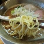 らーめん らいふ - 濃厚醤油の麺