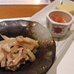 澤 - お通し(コンニャクの惣菜、イカ明太、コーン豆腐)