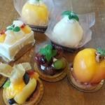 パティスリー マツキ - 料理写真:秋の、ケーキ各種