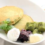ビックビーンファーム - わらび餅と抹茶のパンケーキ