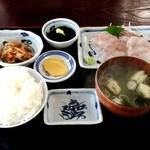 いちりき家 - 刺身定食(スズキ)
