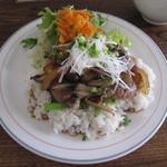 ミソラ食堂 - ランチメイン(牛ステーキ丼)