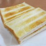 フォンテーヌ - イチゴジャムトースト、バタートースト