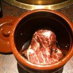 3080135 - 名物つぼ漬けハラミ。刻んだしそが風味を増して美味です。